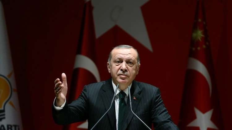 "Photo of أردوغان يرمي الاتحاد الأوروبي بسهام ""الانسانية ""..ويتسول بقبعة اللاجئين"