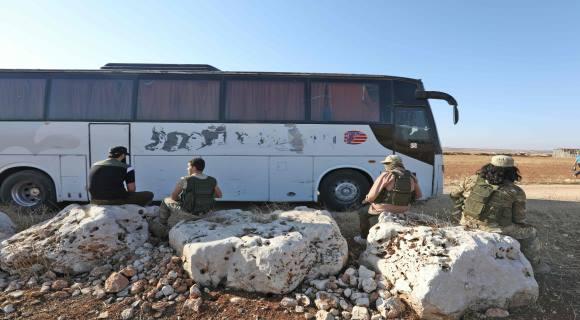 Photo of الحافلات تدخل كفريا والفوعة ..ومصادرمن الاتفاق : 7 آلاف مدني مقابل 1500 معتقل