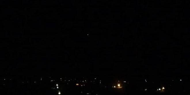 Photo of وسائط الدفاع الجوي السوري  تتصدى لاهداف معادية في سماء المنطقة  الجنوبية