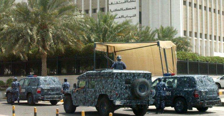 Photo of وزير الداخلية الكويتي يسمح بإطلاق النار على المتظاهرين!