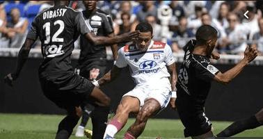 Photo of بطولة فرنسا: ليون يهدر النقاط وينهي المباراة بعشرة لاعبين للمرة الثانية