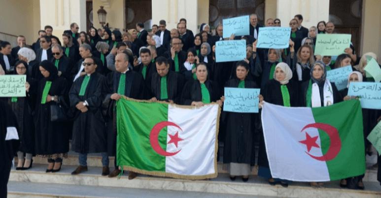 Photo of قبل بدء أولى محاكمات رؤوس الفساد..قضاة الجزائر يهاجمون وزير العدل