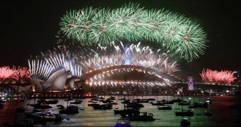 Photo of ألعاب نارية مبهرة في احتفالات سيدني 2020