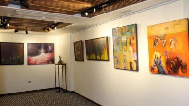 "Photo of معرض ""جوليارت- الف نُون"" ضم نخبة من التشكيليين أكدت أعمالهم أن الفن رسالة إنسانية عظيمة"