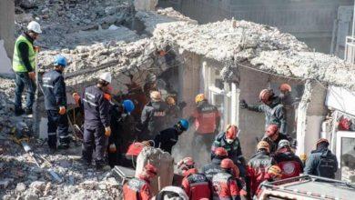 Photo of زلزال تركيا.. انتشال ضحايا من تحت الأنقاض والقتلى بازدياد