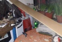 Photo of وفاة طبيب وإصابة أفراد عائلته جراء انفجار سخان كهربائي بمنزلهم بالسويداء