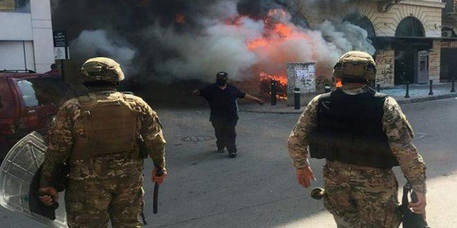 Photo of 20 مصاباً من عناصر الجيش اللبناني نتيجة اعتداءات مثيري الشغب في صيدا وطرابلس