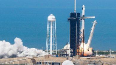 """Photo of إقلاع تاريخي للصاروخ """"سبايس إكس"""" وعلى متنه رائدا فضاء"""
