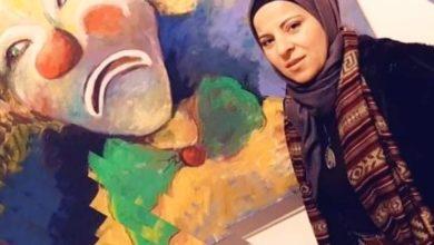 Photo of بثينة عرابي: أدخلُ طواعية في غيبوبة الرسم وأمنيتي أن أكون فنانة غير مشهورة!