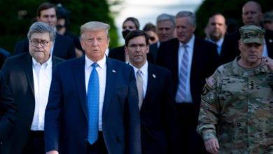 """Photo of ترامب يصف الاحتجاجات في بلاده بأنها """"أعمال إرهاب داخلية"""""""