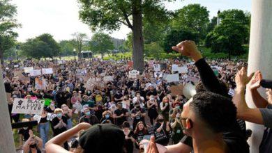 Photo of الاحتجاجات المناهضة للعنصريةمستمرة في أنحاء الولايات المتحدة