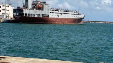 Photo of ضمن مرفأ طرطوس وبكوادر وطنية: تحويل(أتلانتيك روز) من براد إلى سفينة كبيرة لنقل المواشي