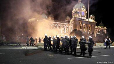 Photo of صربيا: لليوم الثاني على التوالي..احتجاجات عنيفة على قيود كورونا