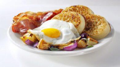 Photo of كم بيضة يمكن تناولها دون الإضرار بالصحة؟