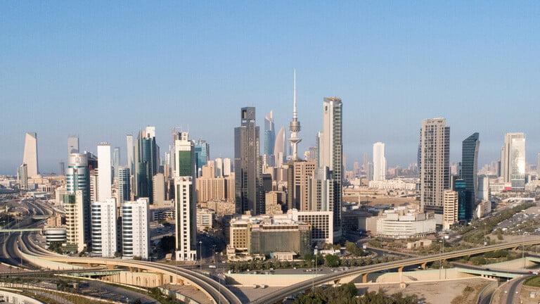 Photo of الكويت تعد قانونا لمعالجة التركيبة السكانية وحل قضية تجارة الإقامات