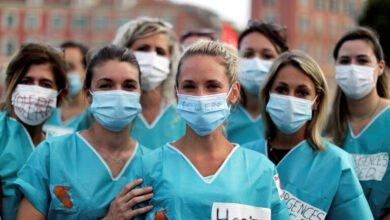 Photo of أطباء فرنسا يناشدون الالتزام الصارم بارتداء الكمامات لتفادي حجر عام جديد