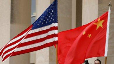 Photo of الصين ترد بالمثل وتفرض عقوبات على مسؤولين أمريكيين