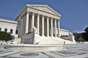 Photo of أمريكا: المحكمة العليا ترفض طلب إيقاف ترحيل عراقيين مدانين
