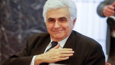 Photo of وزير الخارجية اللبناني يقدم استقالته إلى رئيس الحكومة