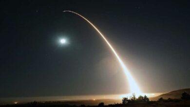 Photo of واشنطن تختبر بنجاح صاروخا عابرا للقارات يحمل 3 رؤوس نووية