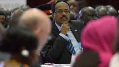 """Photo of بعد اتهامه لرئيس البلاد بسرقة """"جهاز تنفس""""..محكمة صومالية تقضي بحبس صحفي"""