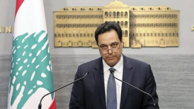 "Photo of حسان دياب في خطاب استقالة الحكومة اللبنانية: ""يلي استحوا ماتوا"""