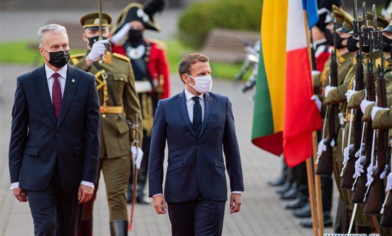 Photo of الرئيس الفرنسي ماكرون في ليتوانيا..سعياً للضغط على بيلاروس