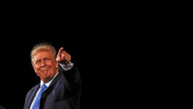 Photo of ترامب يعد بتوزيع لقاح كورونا بعد 24 ساعة من إجازته