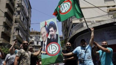 "Photo of لبنان.. حركة ""أمل"" تعتبر كلام ماكرون ""سقطة سياسية"""