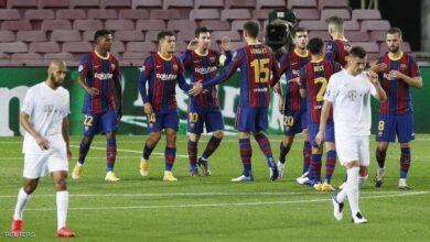 "Photo of نجوم برشلونة ""رضخوا"" للإدارة.. وموقف غامض لميسي"
