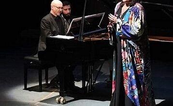 Photo of السورية سمية حلاق.. سوبرانو عالمية تحلّق بجمهورها عالياً