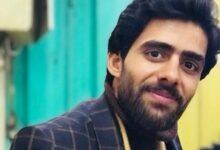 Photo of عباس ثائر: لستُ معنياً بالأضواء ولم أذهب إلى الشعر، بل من تلقاء نفسه اختار ثيابه وزيّن وجوده وطرق بابي