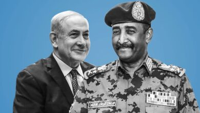 Photo of في اتفاق يمسح اللاءات الثلاث..الخرطوم تؤكد تطبيع علاقاتها مع تل أبيب
