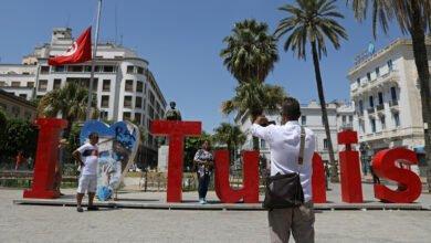 Photo of فرض حظر تجول شامل في تونس بدء من يوم غد الثلاثاء للحد من انتشار كورونا