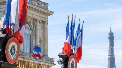 Photo of فرنسا تطالب الدول الإسلامية بعدم مقاطعة منتجاتها